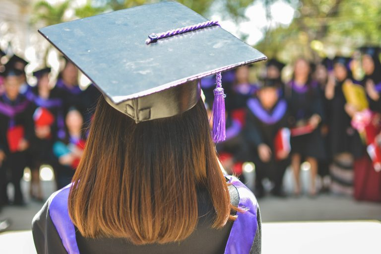 20 Tips for Your Daughter Graduating High School